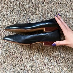 Vintage black leather flats / kitten heels